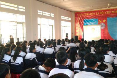 Ngoại khóa truyền thông về phòng chống bệnh tật trong trường học